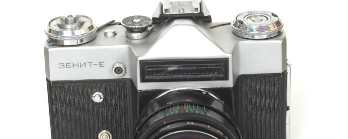 Zenit E – pierwszy Zenit ze światłomierzem.