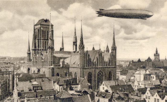 Gdańsk.Ulica Mariacka. Kościół Mariacki. Ulica Piwna
